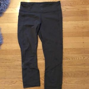 lululemon cropped athletic leggings